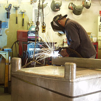 American Machining,Inc. Welding & Fabrication